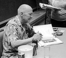 220px-RAHeinlein.autographing.Midamericon.ddb-371-14-750px